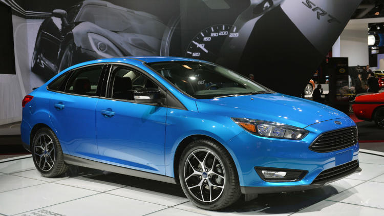 01-2015-ford-focus-sedan-ny-1