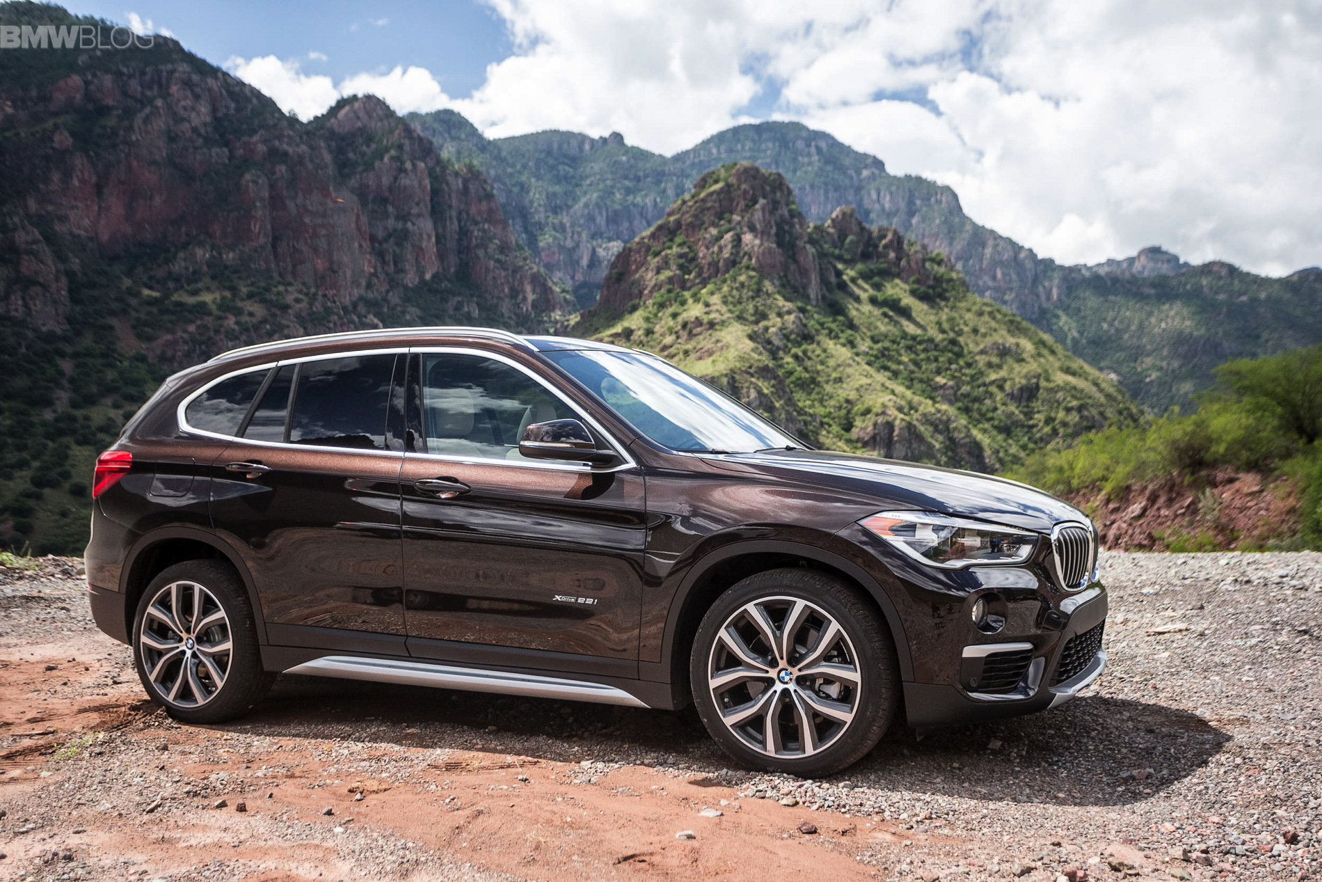2016-bmw-X1-xDrive28i-test-drive-images-72